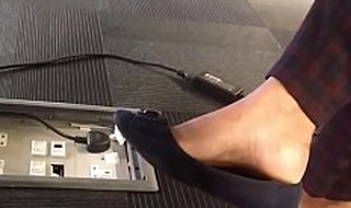 Desi shoeplay with face