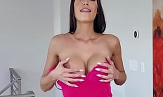 Who Would Not Want To Leman This MILF- Desiree Dulce JOI