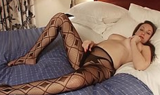 Melani Hicks In Her Litt'rateur Pantyhose and Heels Really Horny On Bed