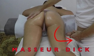 Indian Masseur Jerking off his Big Dick in play the part of her Arabian Milf Client close by Gradual Muff at Hidden Camera  Massage Acreage