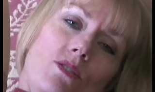 Oral Sex Expert Shows Off Her Skills