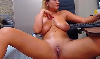 Chunky Tits Camgirl Milf Teasing