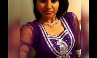 Tamil Canadian Girl Leaked At arm's length Pictures Part 1