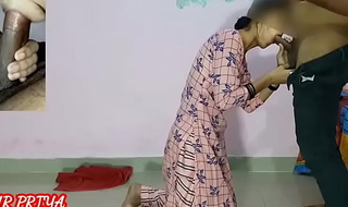 Desi Hot Nokrani duped by inviting money hardsex with the addition of be hung vacillate