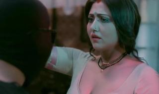 Indian Actress Mukherjee Shows Boobs