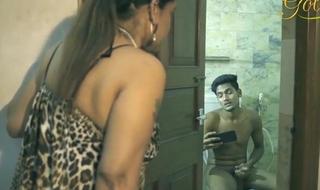bathroom main aunty ke saath