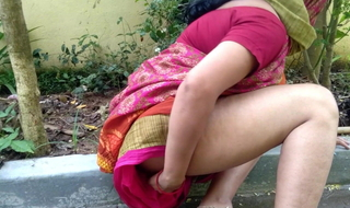 stepmom caught pissing not on in a fetch backyard