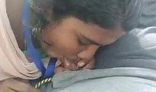 TAMIL IT EXECUTIVE SUCKING DICK OF BF IN PARK