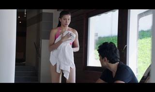 Gauahar Khan – Hawt Giving a kiss Vignettes 1080p