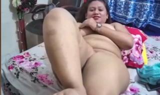Bangladeshi whore Saniha Love – full face and fully nude