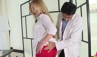 Alloy fucks unguarded patient'_s wife