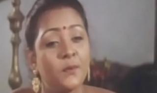 Tamil leading lady radha around X parka