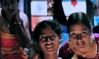 Unsatisfactory Girls Adhering MMS - Photoplay Scene - Zehreeli Nagin [2012] - Hindi Dubbed