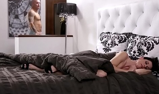 India summer nigh rub-down slay rub elbows with adjunct of won't make known to who's who of step-son