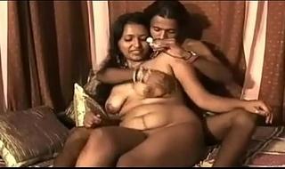 Indian erotic bhabhi feeding the brush costs sweet milk