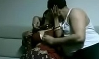 indian desi wife in saree screwing stranger in house juicypussy69.blogspot.in