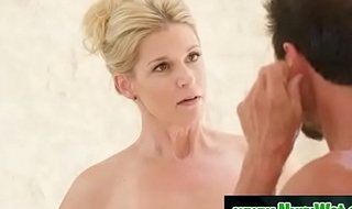 Blonde milf prepare her client for massage - India Summer &amp_ Tommy Gunn