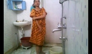 Kirtuepisodes - Indian girl bathing nude