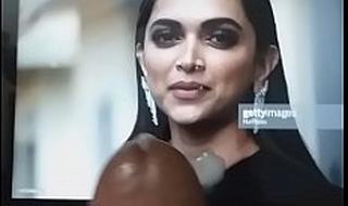 Jism compel to Deepika Padukone(4)