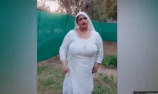 Desi plumper aunty