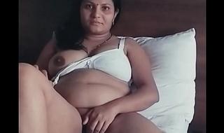 Desi aunty masturbating