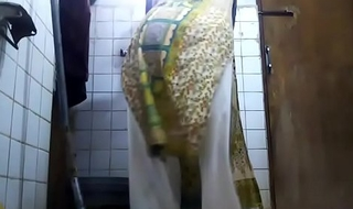 desi gay dancing in toilet in women dress
