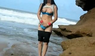 Indian Sex Of Real Galumph Desi Couple Fucking At Lakeshore -  Honeymoon on beach