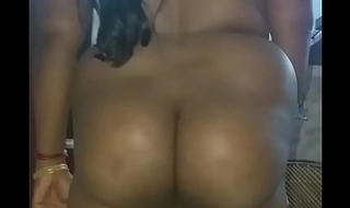desi amuthavalli  showing big ass.before sex