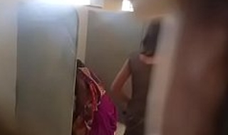 Desi lady lead toilet pissing spy